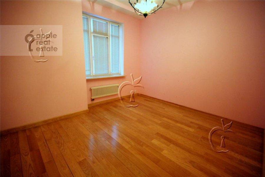 Children's room / Cabinet of the 6-room apartment at Beregovaya ul. 4k4