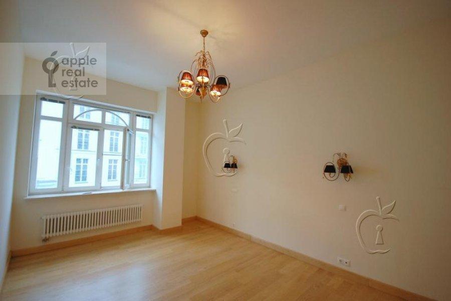Bedroom of the 6-room apartment at Beregovaya ul. 4k4