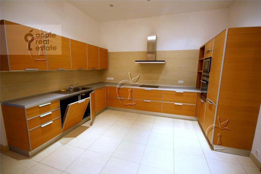 Kitchen of the 6-room apartment at Beregovaya ul. 4k4