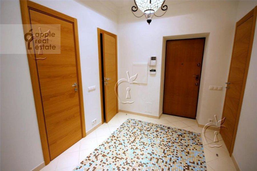 Corridor of the 6-room apartment at Beregovaya ul. 4k4