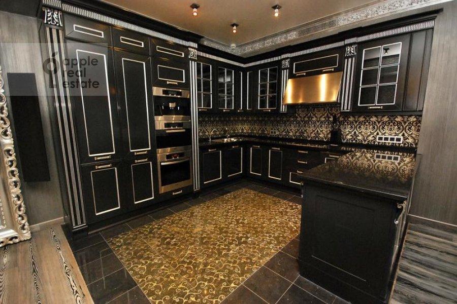 Кухня в 4-комнатной квартире по адресу Мосфильмовская ул. 70к1
