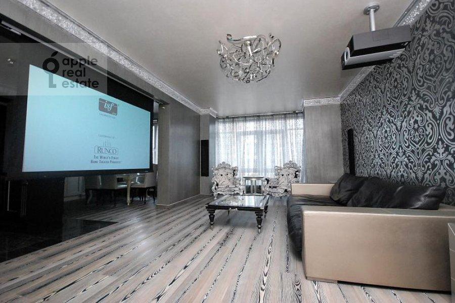 Гостиная в 4-комнатной квартире по адресу Мосфильмовская ул. 70к1