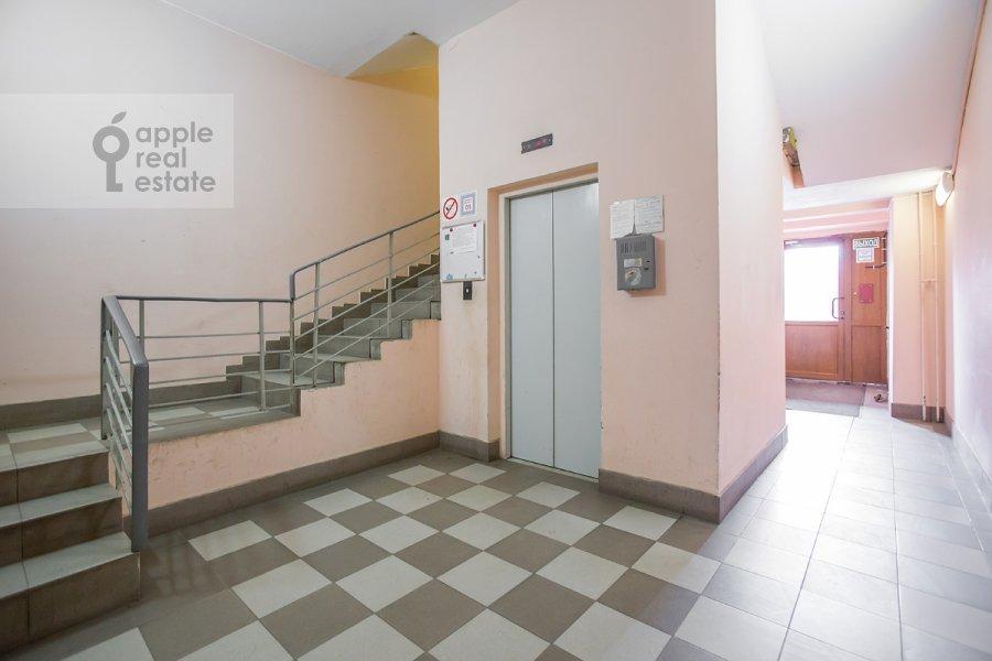 Подъезд 3-комнатной квартиры по адресу Наставнический пер. 6