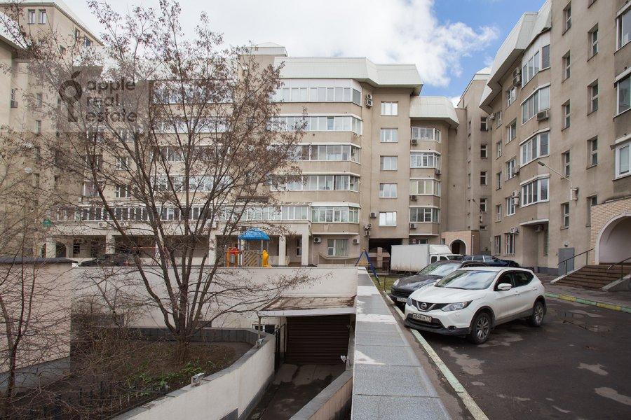 Фото дома 3-комнатной квартиры по адресу Наставнический пер. 6