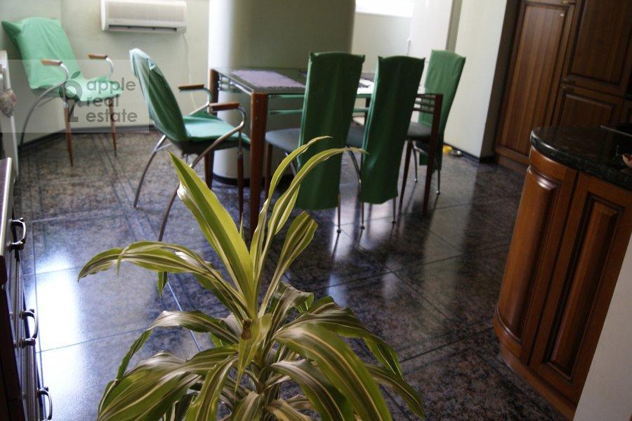 3-комнатная квартира по адресу Наставнический пер. 6