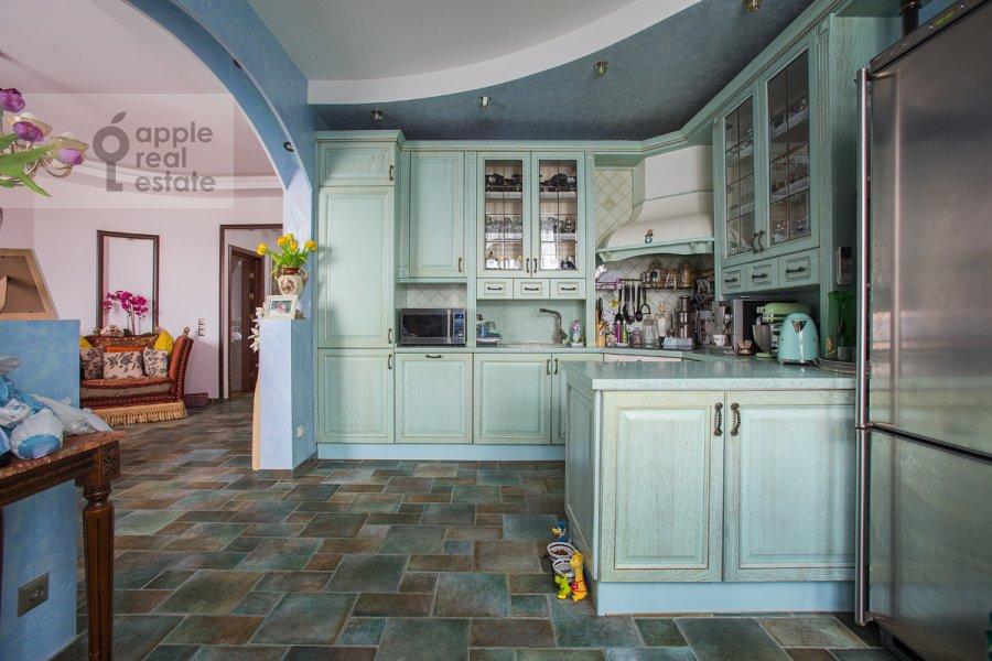 Кухня в 2-комнатной квартире по адресу Крылатская ул. 45к1