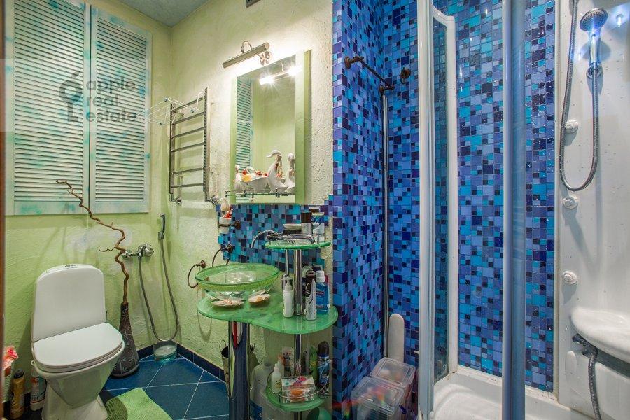 Санузел в 2-комнатной квартире по адресу Крылатская ул. 45к1