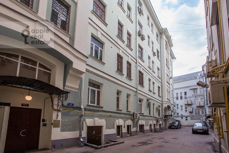 Фото дома 6-комнатной квартиры по адресу Дмитровка Большая ул. 20с2