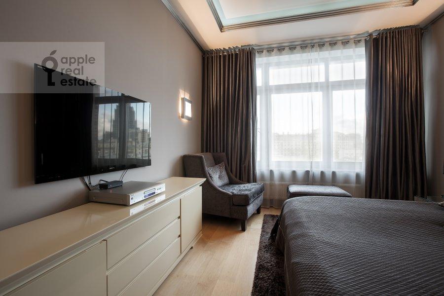Bedroom of the 2-room apartment at 1-y Tverskoy-Yamskoy per 11