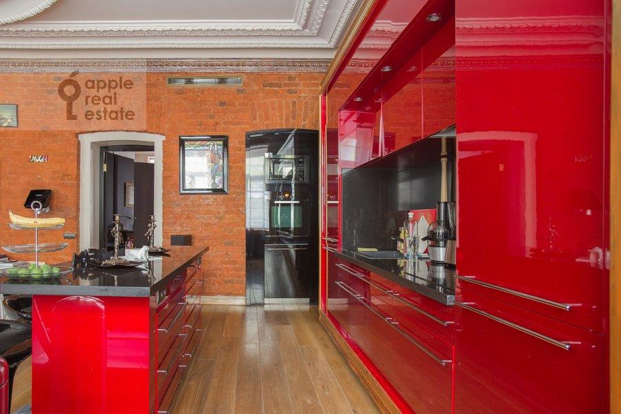 Кухня в 2-комнатной квартире по адресу Брюсов пер. 2/14с2