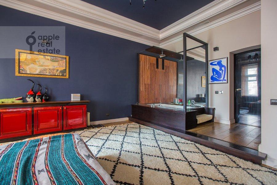 Спальня в 2-комнатной квартире по адресу Брюсов пер. 2/14с2