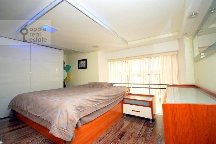Bedroom of the 1-room apartment at Gnezdnikovskiy Bol'shoy per. 10