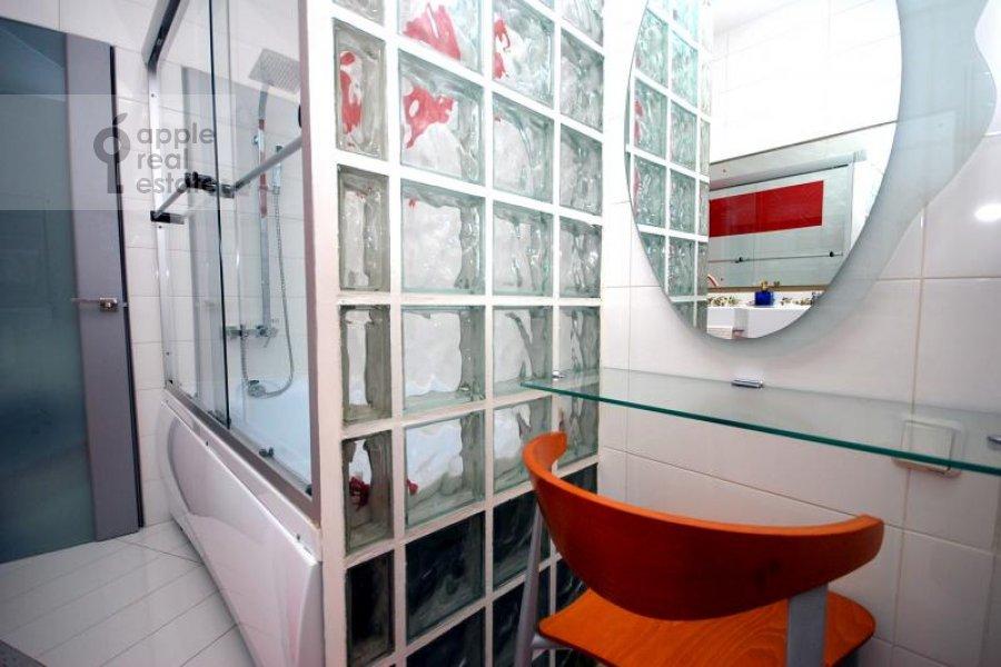 Санузел в 1-комнатной квартире по адресу Гнездниковский Большой пер. 10
