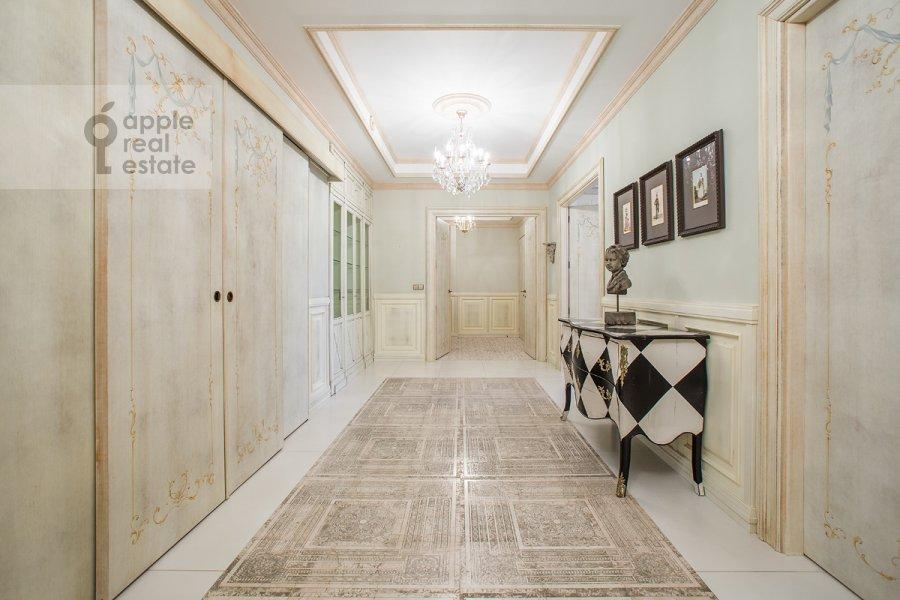 Corridor of the 5-room apartment at Chapaevskiy per. 3