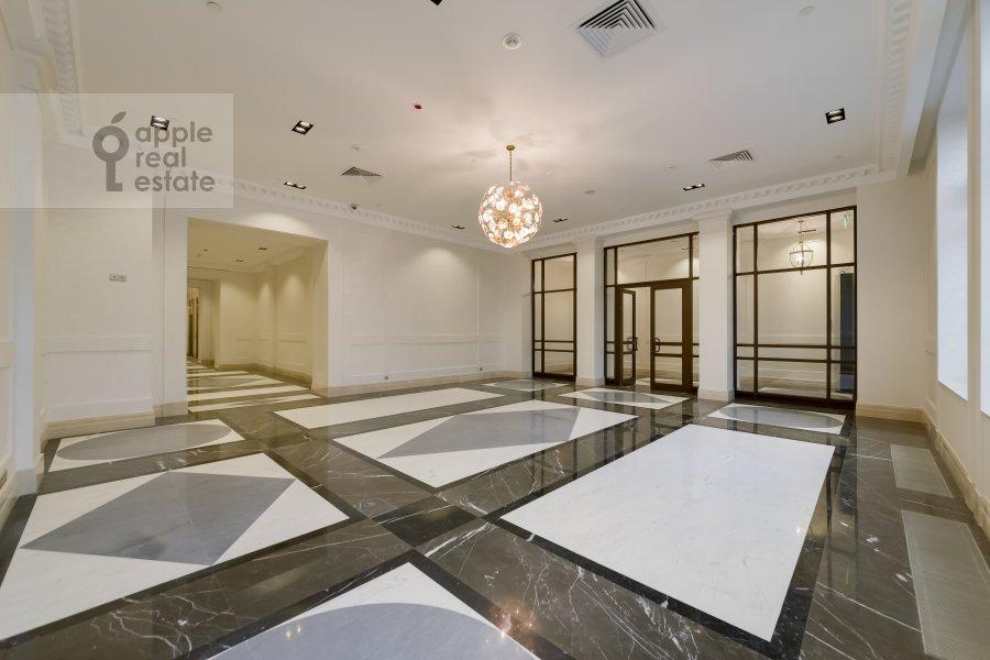 Квартира-студия по адресу Б. Якиманка 15