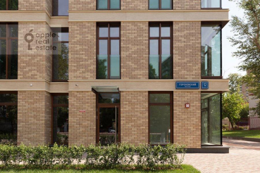 4-room apartment at Gorokhovskiy 12
