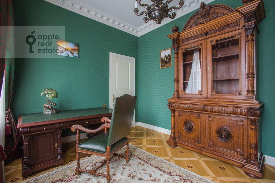 5-комнатная квартира по адресу Пожарский пер. 9