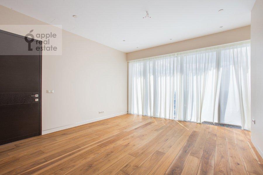 3-room apartment at 1-y Krasnogvardeyskiy pr. 21s1