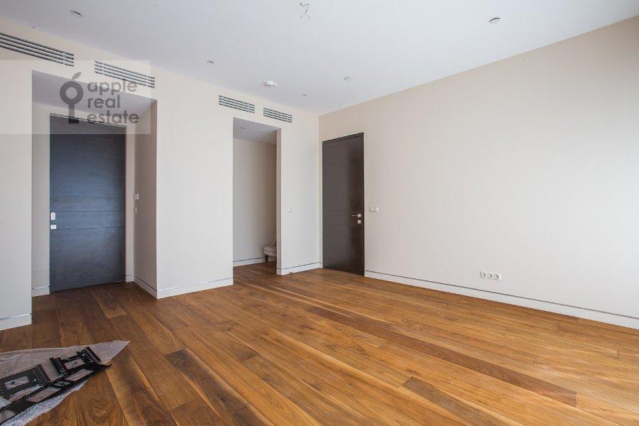 4-комнатная квартира по адресу 1-й Красногвардейский проезд 21