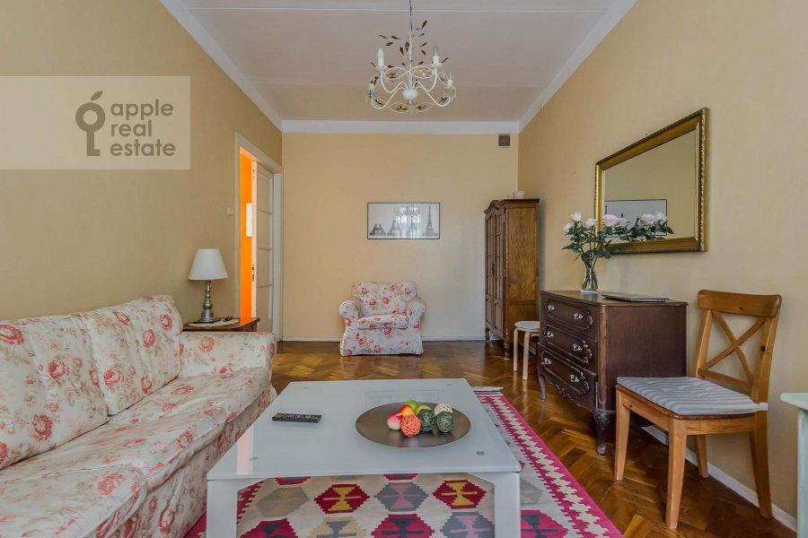 Гостиная в 2-комнатной квартире по адресу Леонтьевский пер. 6