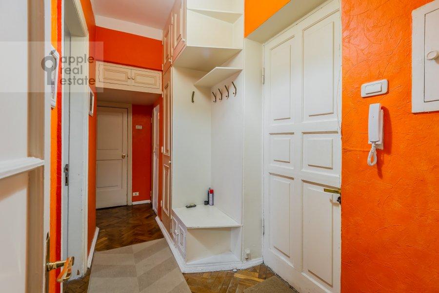 Коридор в 2-комнатной квартире по адресу Леонтьевский пер. 6