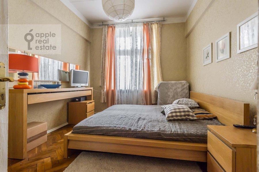 Спальня в 2-комнатной квартире по адресу Леонтьевский пер. 6