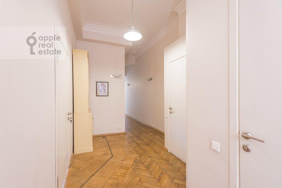 Corridor of the 5-room apartment at Klimentovskiy per. 6