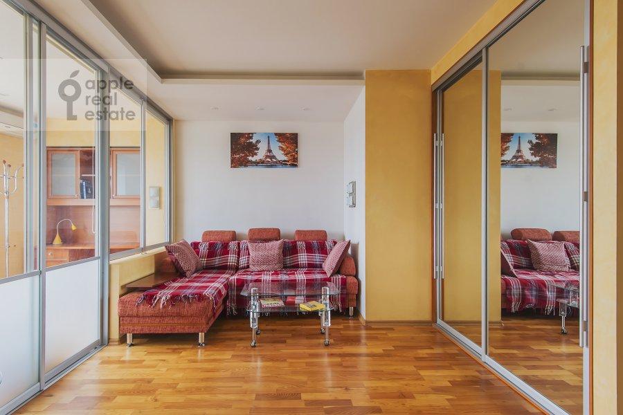 Living room of the 2-room apartment at Leningradskoe shosse 52B