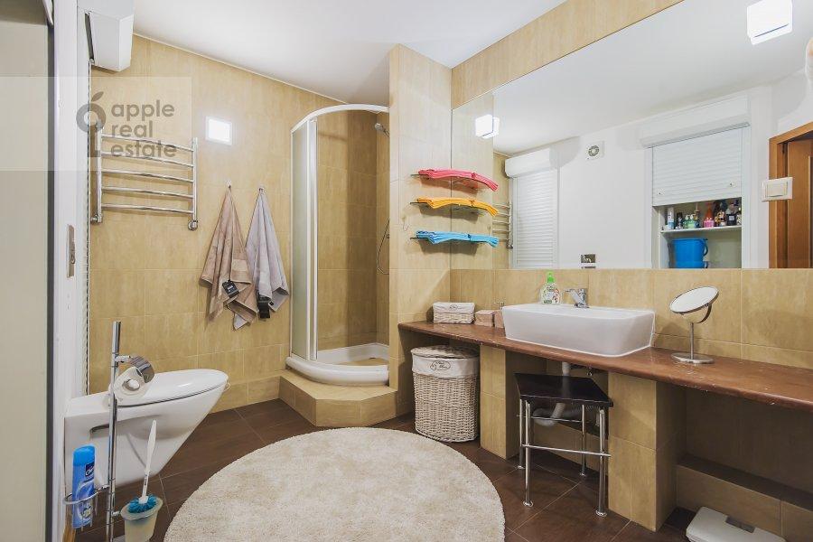 Bathroom of the 2-room apartment at Leningradskoe shosse 52B