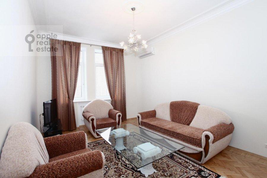 Living room of the 3-room apartment at Krasnopresnenskaya nab. 2/1