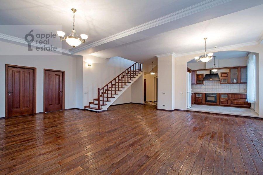 Living room of the 5-room apartment at Bogoslovskiy per. 8/15