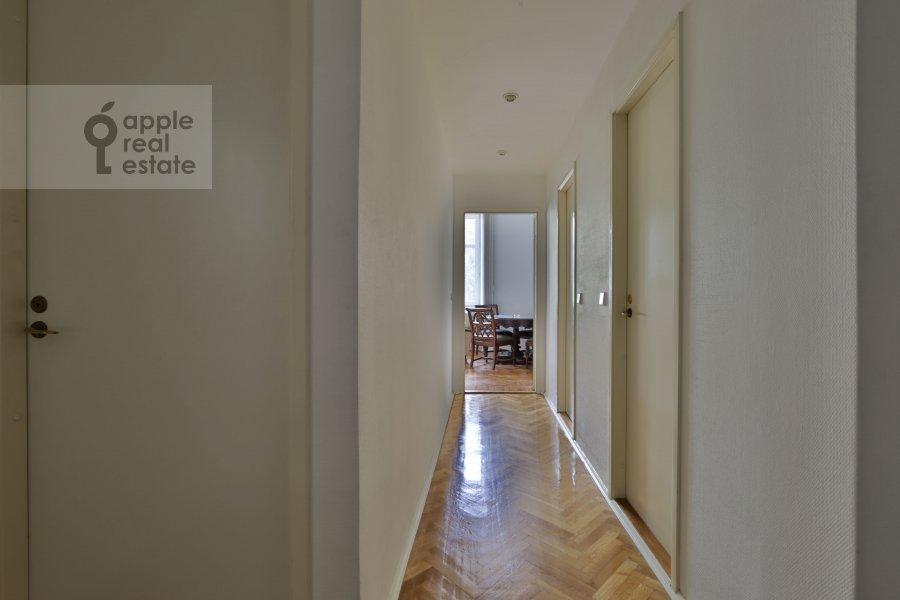 Corridor of the 2-room apartment at Tverskaya ul. 8