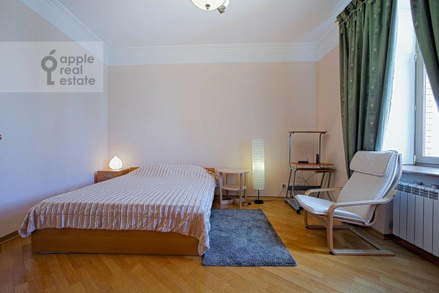 Спальня в 3-комнатной квартире по адресу Арбат ул. 51