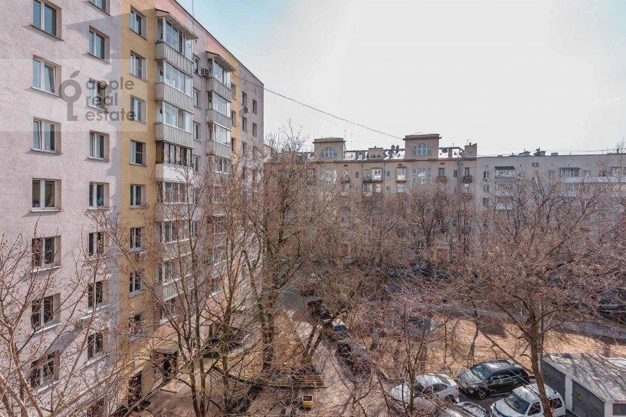 Вид из окна в 2-комнатной квартире по адресу Якиманка Большая ул. 54
