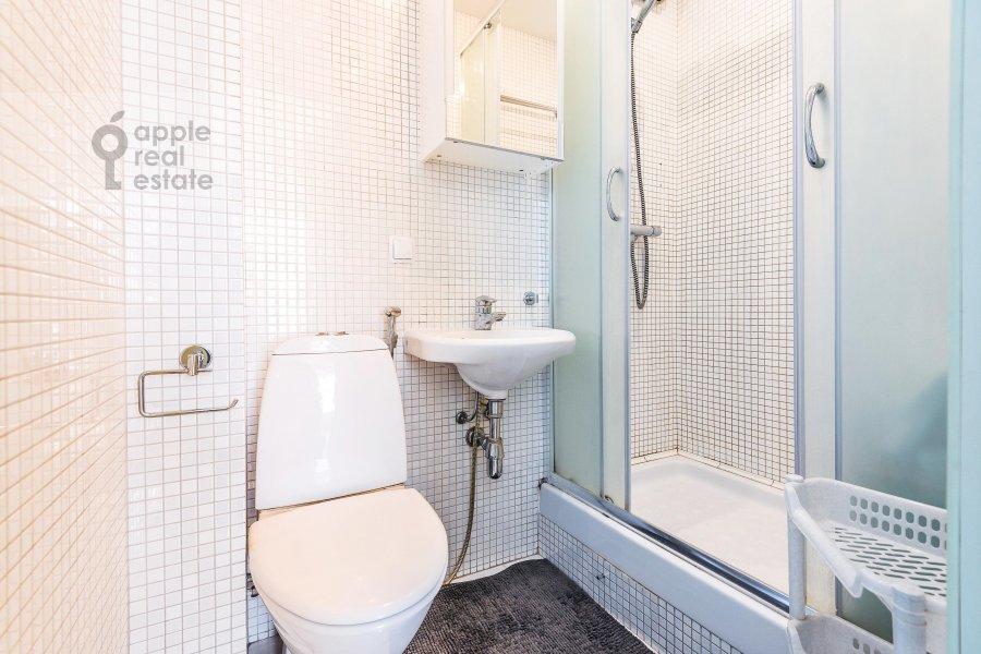 Санузел в 2-комнатной квартире по адресу Якиманка Большая ул. 54