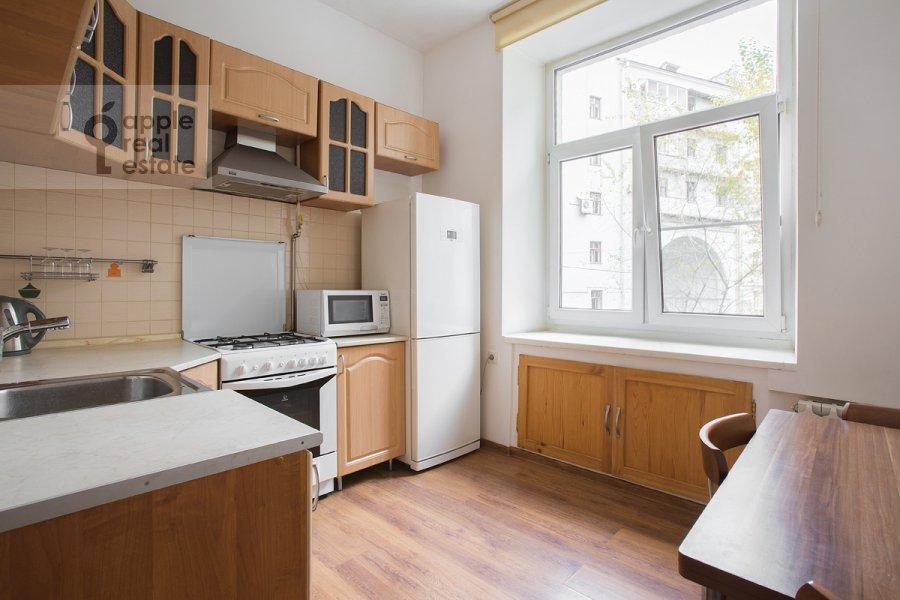 Kitchen of the 3-room apartment at Tverskaya ul. 17