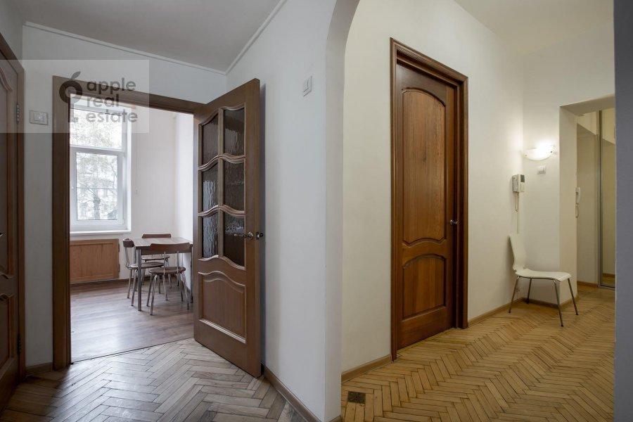 Corridor of the 3-room apartment at Tverskaya ul. 17