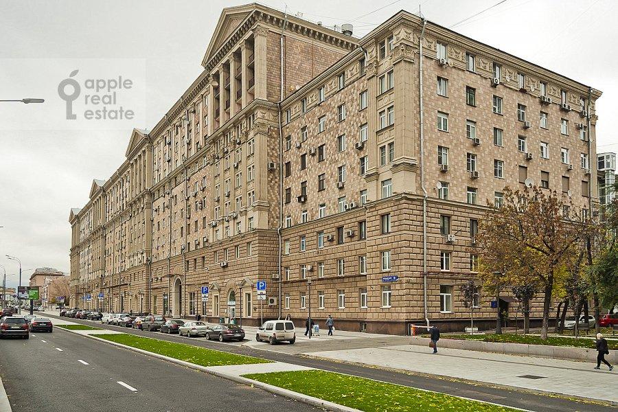 Photo of the house of the 3-room apartment at Novinskiy bul'v. 18