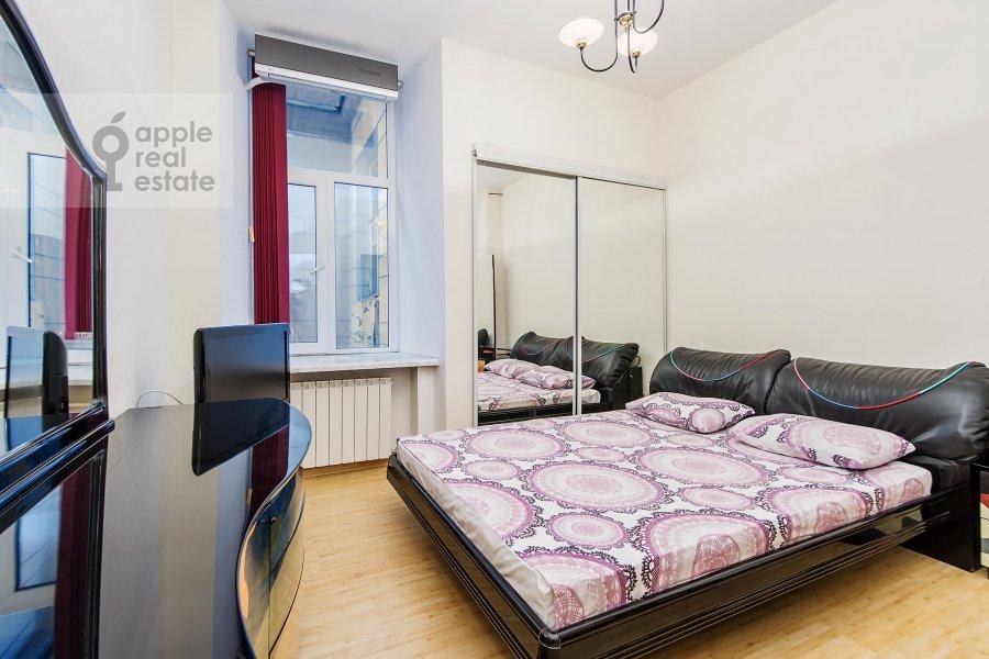 Bedroom of the 3-room apartment at Gogolevskiy bul'var 23