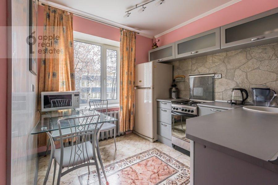 Кухня в 2-комнатной квартире по адресу Бронная Большая ул. 9