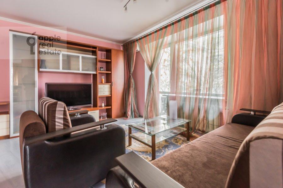 Гостиная в 2-комнатной квартире по адресу Бронная Большая ул. 9