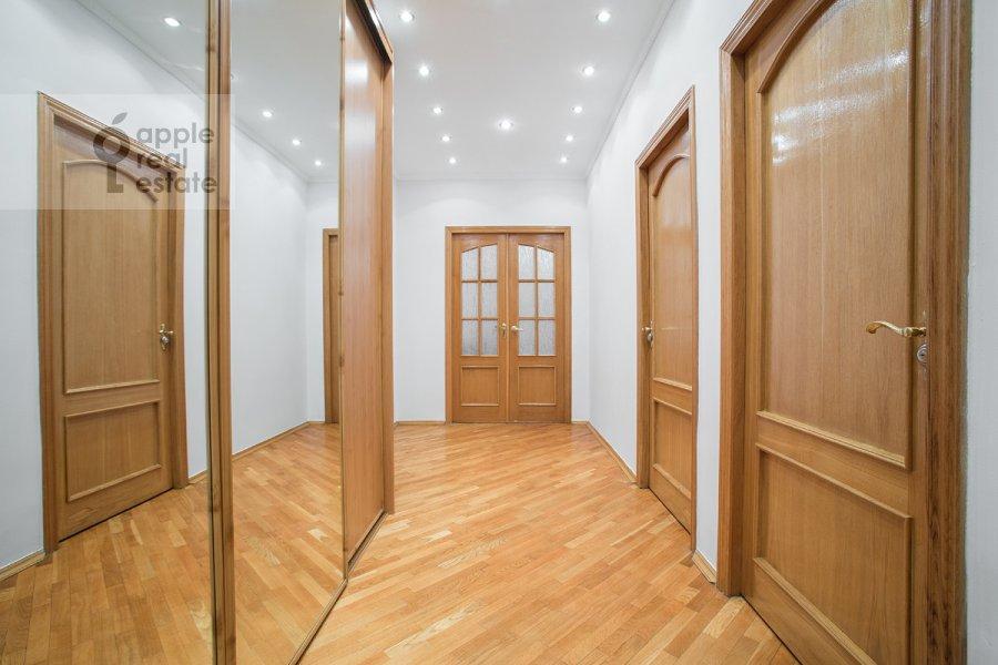 Коридор в 3-комнатной квартире по адресу Ростовская наб. 3