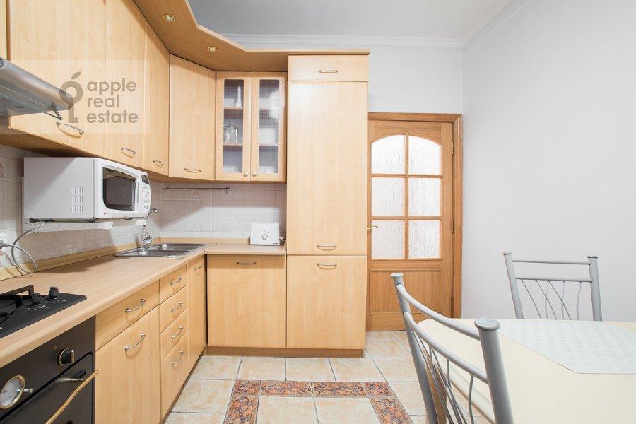 Кухня в 3-комнатной квартире по адресу Ростовская наб. 3
