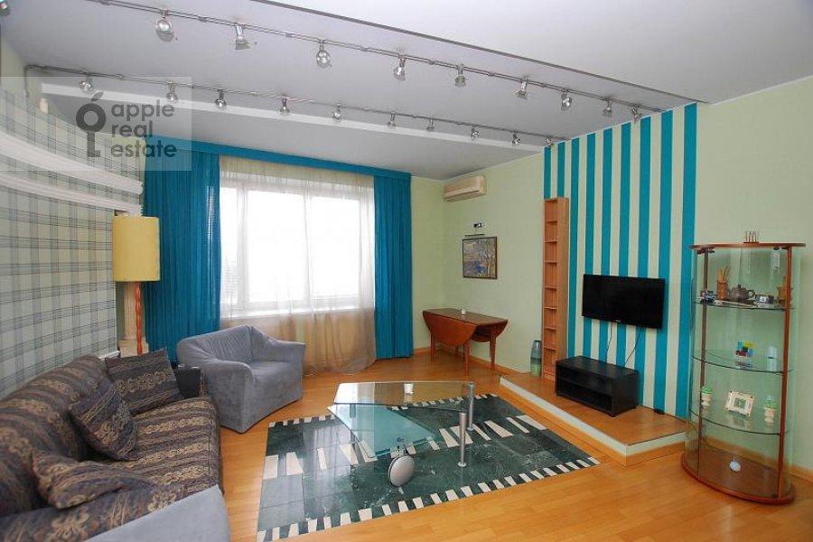 Living room of the 2-room apartment at Skakovaya ul. 5