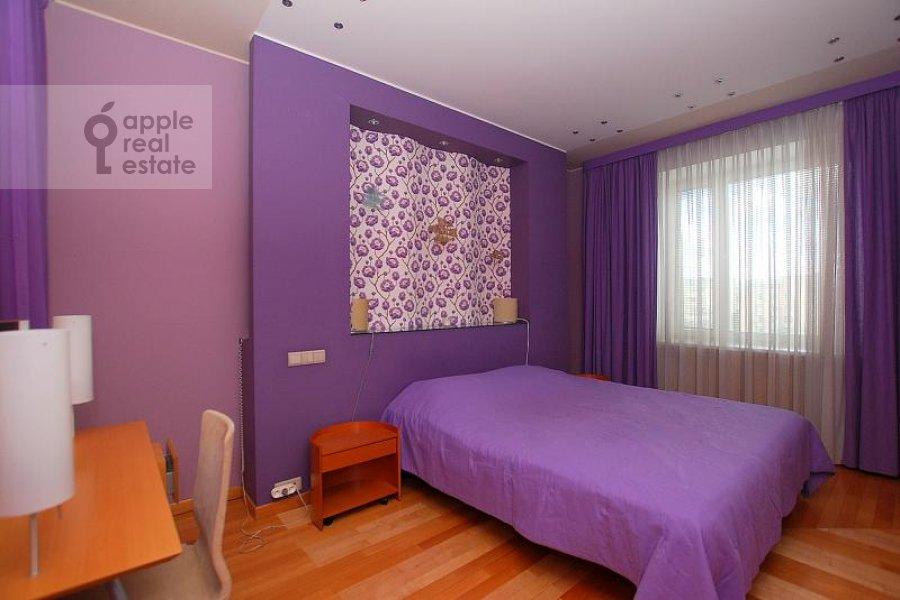 Bedroom of the 2-room apartment at Skakovaya ul. 5