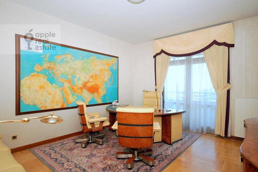 Детская комната / Кабинет в 3-комнатной квартире по адресу Лесная ул. 6с1