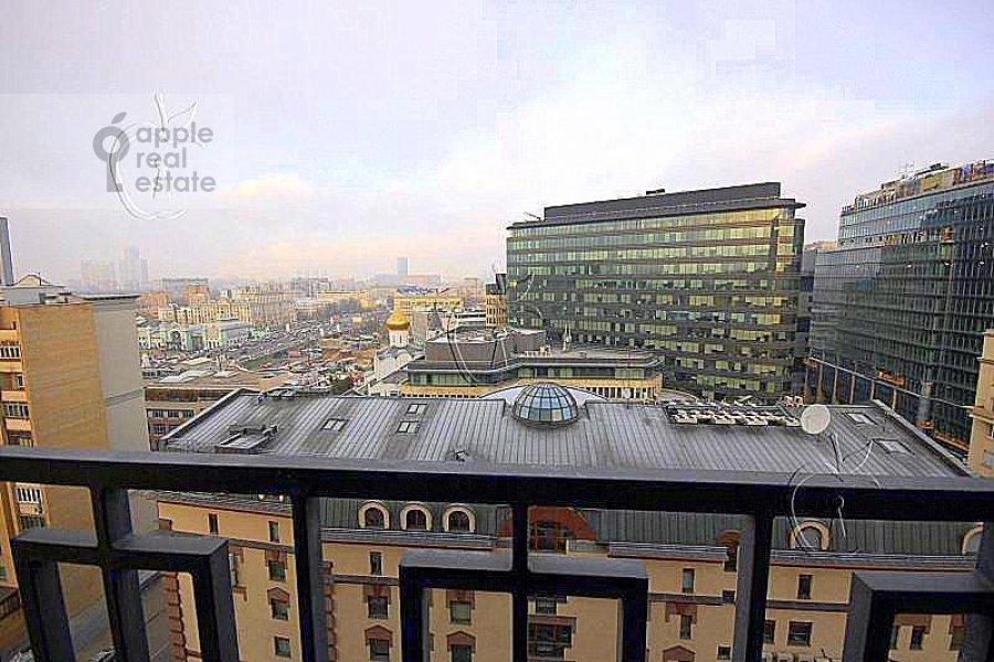 Вид из окна в 3-комнатной квартире по адресу Лесная ул. 6с1