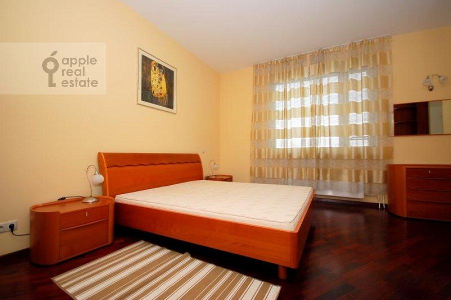 Bedroom of the 3-room apartment at Koshtoyantsa ul. 20k2