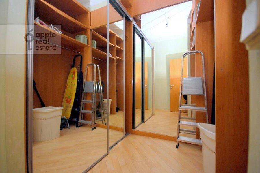 Walk-in closet / Laundry room / Storage room of the 2-room apartment at Kozitskiy per. 1A
