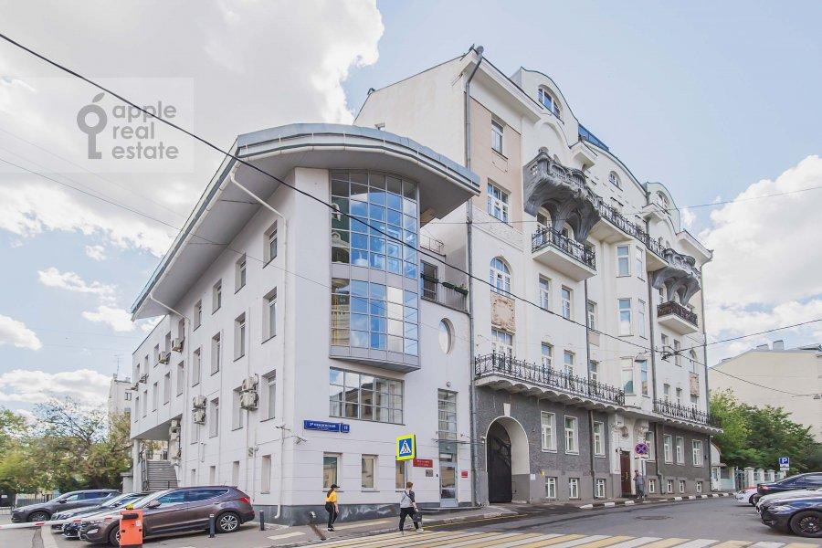 Фото дома 6-комнатной квартиры по адресу Обыденский 2-й пер. 11